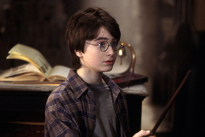 Harry-Potter-and-the-Sorcerers-Stone-HD-Movie-2001-3-pic700-700x467-61022